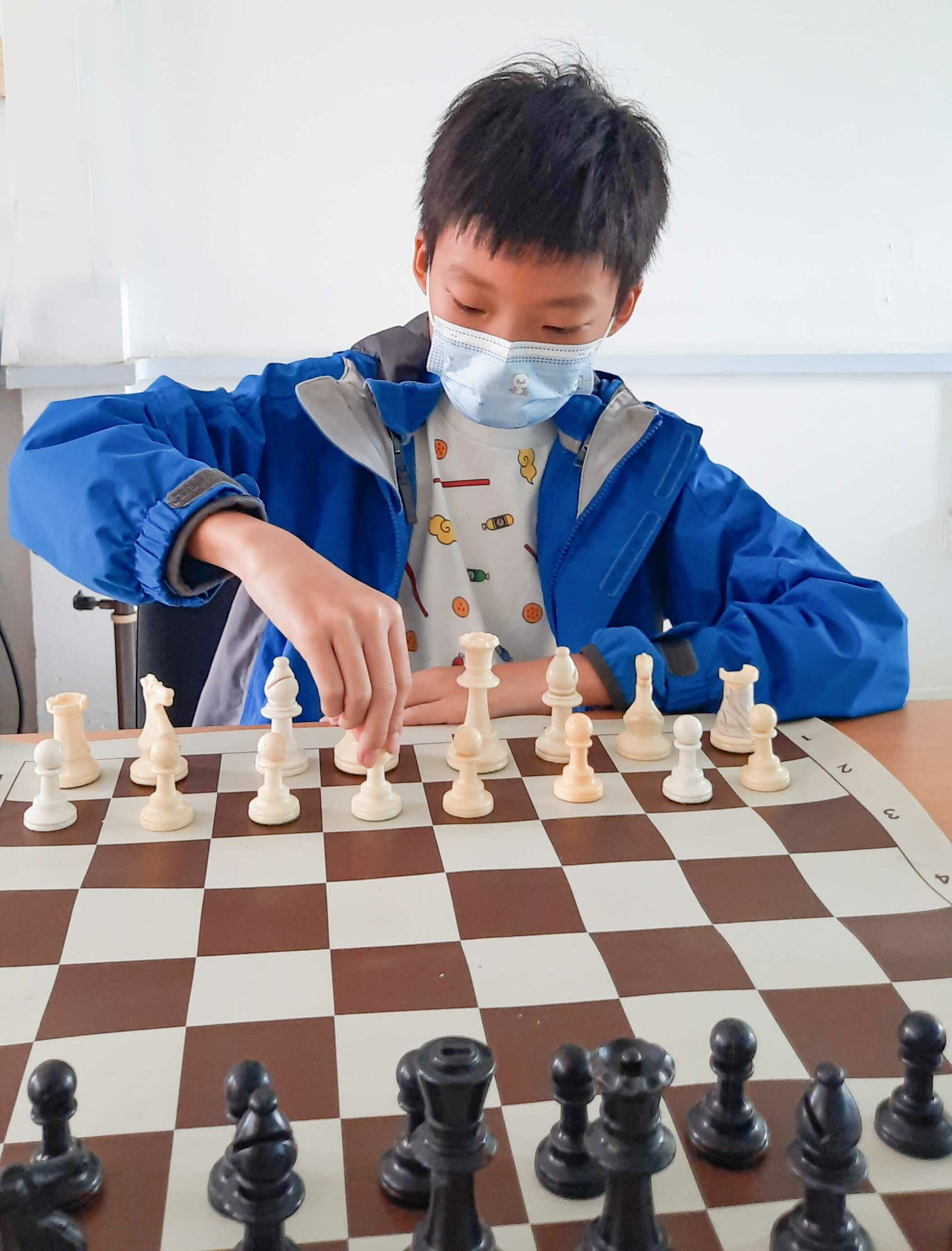 Li Mo: Student and chess champion